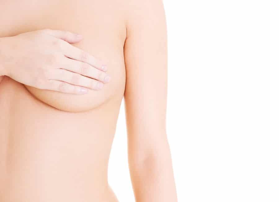 Beratung für Brustwarzenkorrektur durch Schönheitschirurg in Klinik für Schönheits-OP