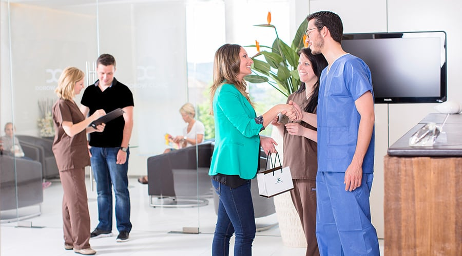 Terminvergabe beim Zahnarzt und in der Plastischen Chirurgie in Lörrach und Waldshut