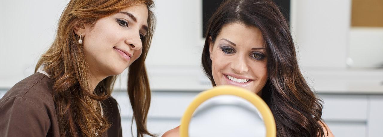 Beratung bei Zahnfleischerkrankung und Parodontitis durch Zahnarzt in Klinik für Zahnmedizin in Waldshut