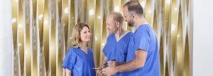 Beratung für die Hautstraffung an Oberarmen durch Schönheitschirurg in Klinik für Schönheitsoperationen