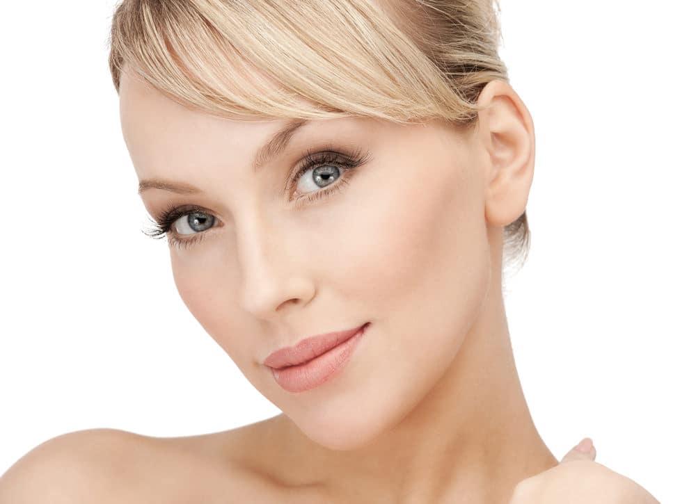 Beratung für Segelohren anlegen durch Schönheitschirurg in Klinik für Schönheits-OP