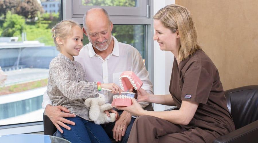 Zahnärztin und Kieferchirurgin in Waldshut-Tiengen und Lörrach