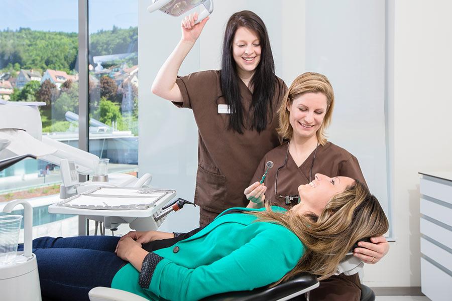 Zahnchirurgie in der Dorow Clinic
